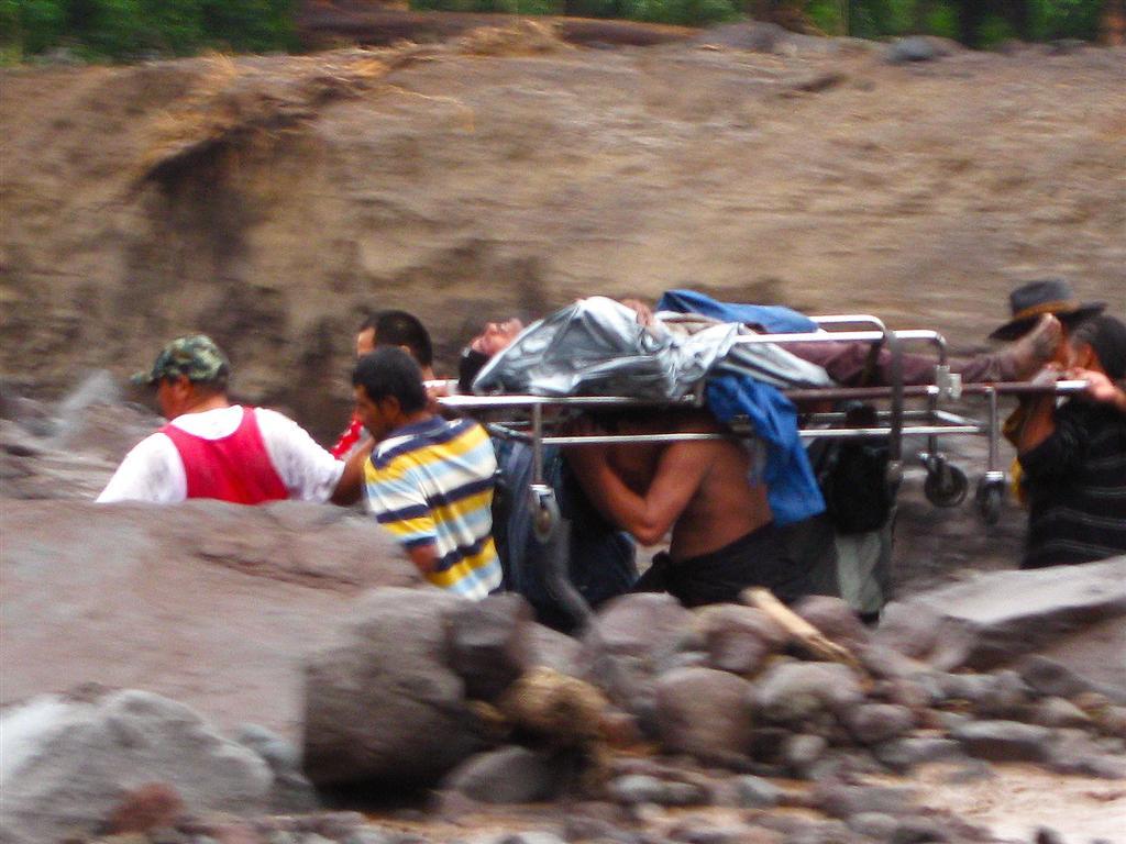 Ayudar-Su-Projimo-Guadalupe-2009