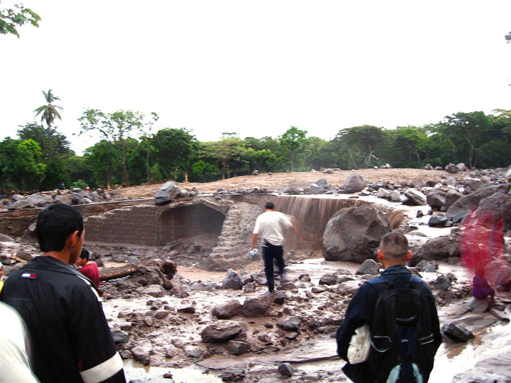Ida-Guadalupe-Verapaz-El-Salvador