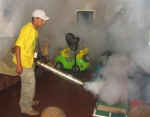 Fumigando en Soyapango
