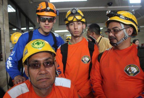 Elder Lovos, David Hernandez, David Flores y Ricardo Leiva. Todos expertos en rescate urbana,