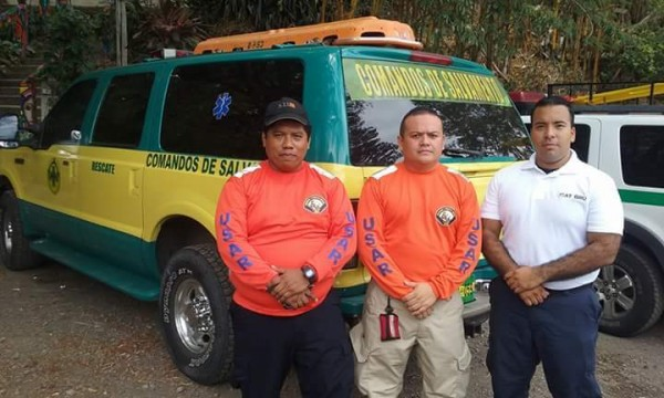 Jhonny, Antonio, and Roberto of CDS leave son to participante in USAR efforts in Equador.